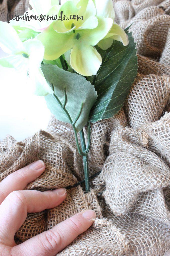 How-To-Make-A-Burlap-Wreath-Farmhouse-Made-14