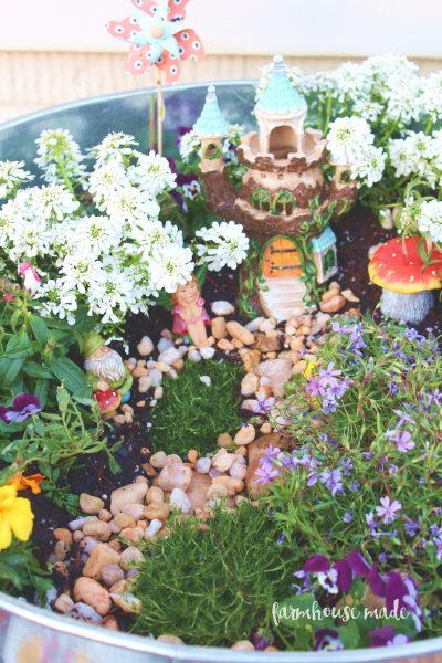 This is such a cute little fairy garden!