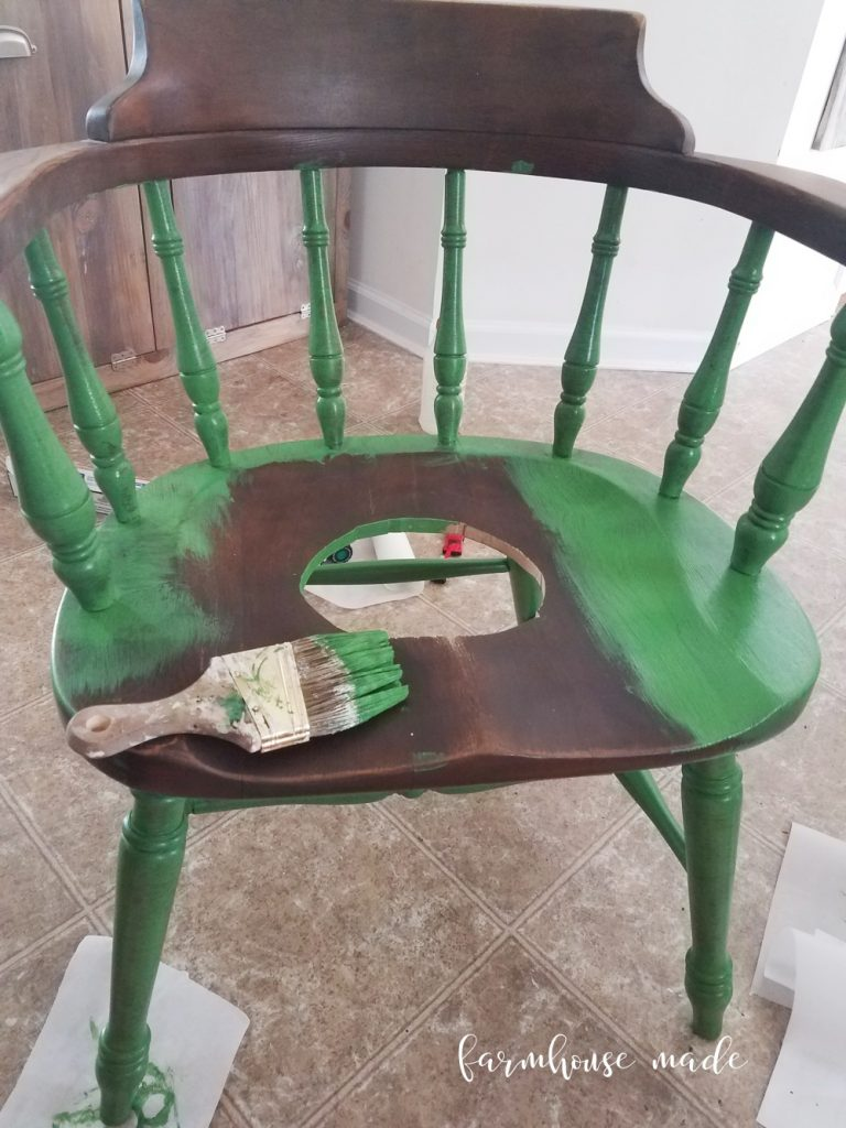 This DIY Planter chair is gorgeous for your spring garden! Get the DIY Planter directions on FarmhouseMade.com